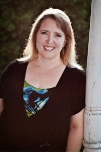 Author Picture - Natalie J Damschroder